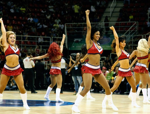 cheerleaders jogo NBA Bulls x Wizards (Foto: Marcelo Carnaval / Ag. O Globo)