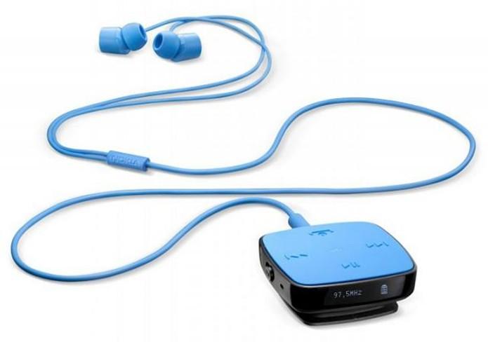 Fones de ouvido com botões são bons para comandar música remotamente (Foto: Divulgação/Nokia)
