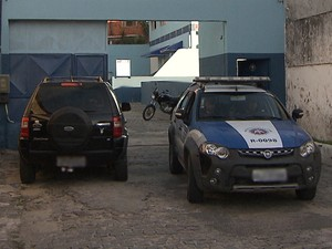 Empresa foi assaltada na madrugada desta segunda-feira (Foto: Imagem/TV Bahia)