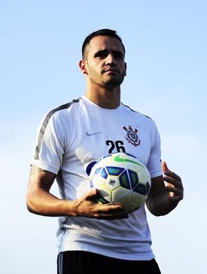 Renato Augusto Corinthians (Foto: Marcos Ribolli)