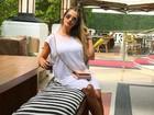 Grávida, Andressa Suita mostra look básico em Miami