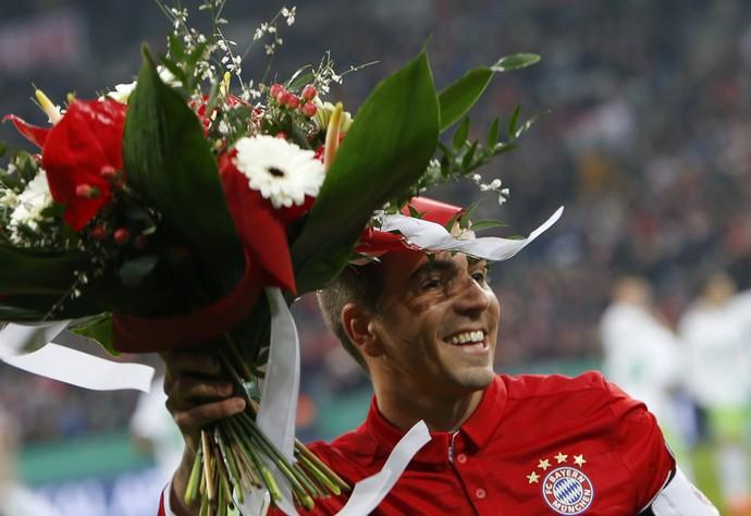 Lahm homenagem Bayern de Munique 500 jogos (Foto: Michaela Rehle/Reuters)