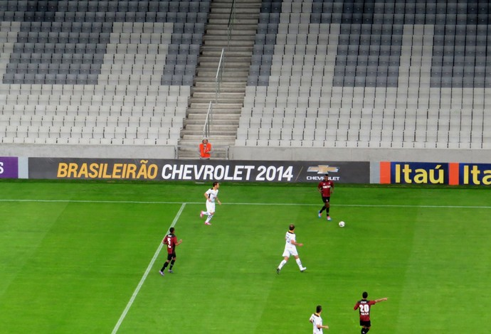 Atlético-PR x Criciúma na Arena da Baixada (Foto: Fernando Freire)