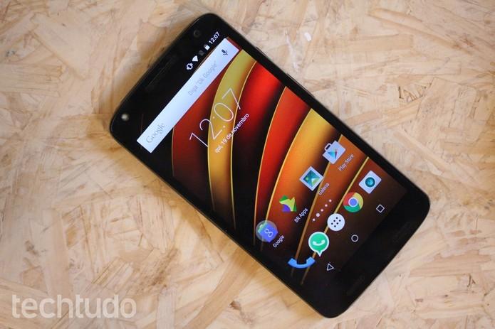 Moto X Force, da Motorola, tem uma tela super-resistente (Foto: Lucas Mendes/TechTudo)