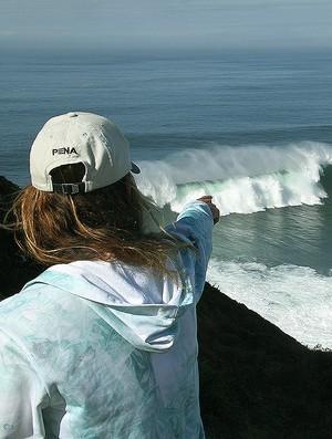 Isabela Sousa, campeã mundial de bodyboard Nazaré Portugal ondas gigantes (Foto: Lima Jr./Divulgação)