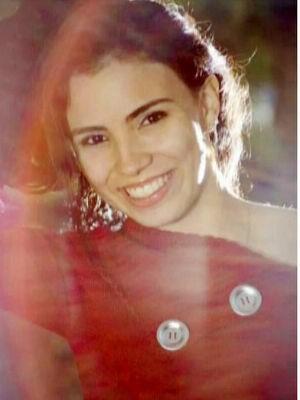 Karina Gomes, de 19 anos, foi morta durante tentativa de assalto em Cuiabá. (Foto: Reprodução/ TVCA)