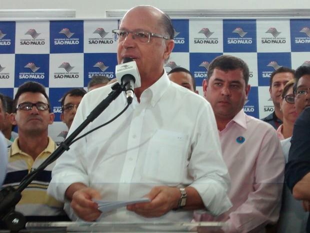 Governador entregou nova estação de Suzano  (Foto: Maiara Barbosa/ G1)