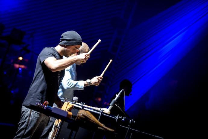 Fred Araújo e Cris Oliveira, do Sorriso Maroto, fazem esquenta para os novos shows (Foto: Fabiano Battaglin/Gshow)