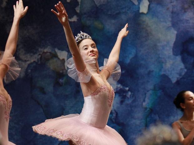 A bailarina Luana Lara foi aceita para estudar no Instituto de Tecnologia de Massassuchetts (MIT) (Foto: Aurea Silva/Bolshoi/Divulgação)