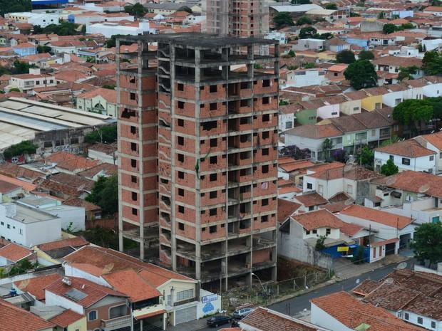 Justiça autorizou demolição de prédio inacabado em Piracicaba (Foto: Araripe Castilho/G1 Piracicaba)