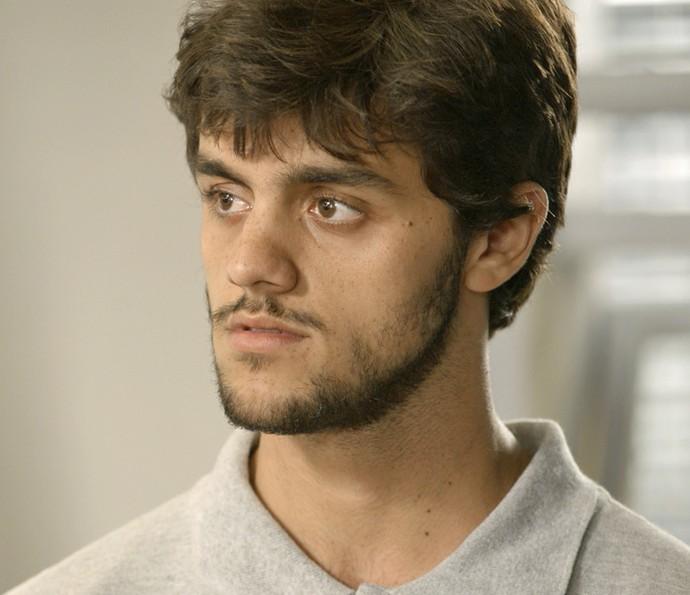 Ex-vendedor de balas ouve que Débora sabe quem foi responsável por vexame (Foto: TV Globo)