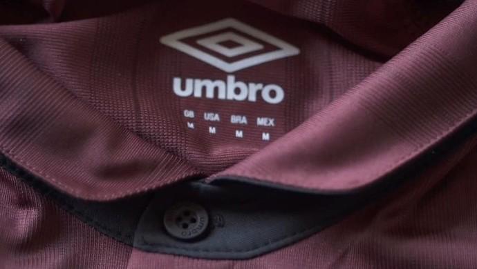 Camisa comemorativa do Atlético-PR (Foto: Reprodução/Vídeo da Umbro)