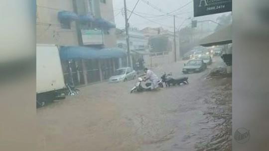 Chuva gera emissão de alerta, causa desmoronamento e alagamentos