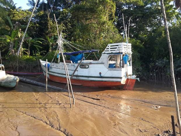 Embarcação com produtos estrangeiros seria alvo de suspeitos, diz polícia (Foto: DIvulgação/ Polícia Civil)