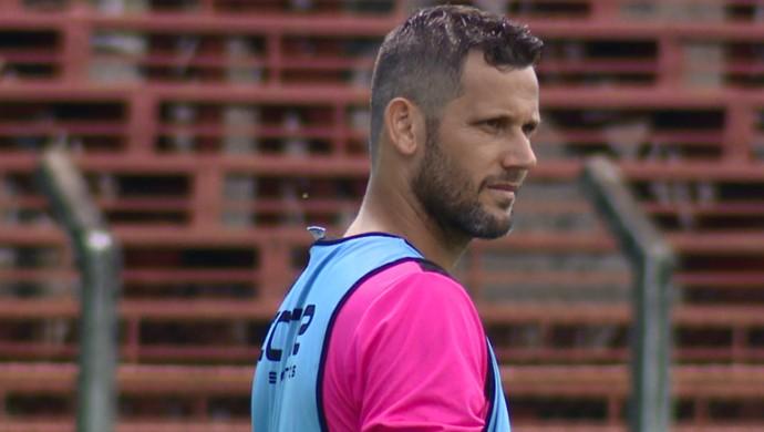 Melinho meia União Barbarense (Foto: Oscar Herculano Jr / EPTV)