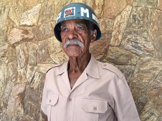 1º sargento Benedito Gregório tem 89 anos (Foto: Stephanie Fonseca/G1)