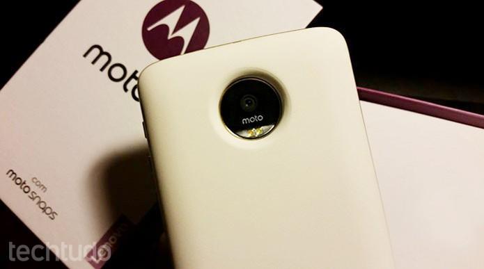 Veja como usar a Moto Snap Incipio de bateria do Moto Z  (Foto: Bárbara Mannara/TechTudo)
