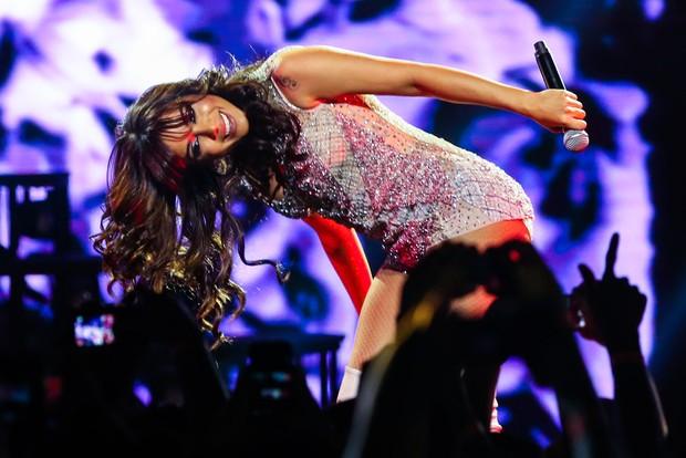 Anitta fez charminho para o público (Foto: Manuela Scarpa/Photorionews)