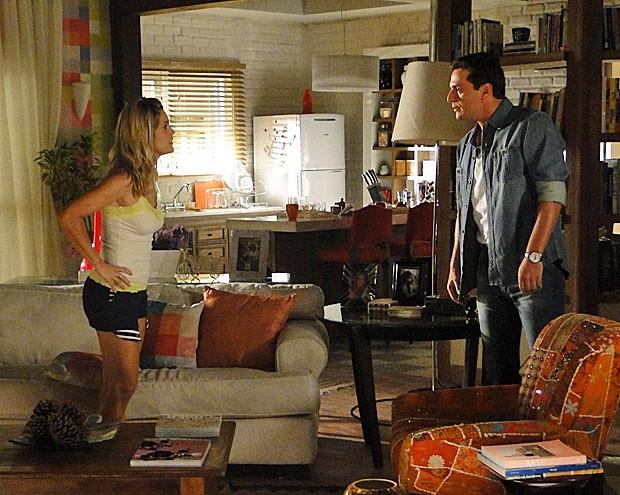 Erica joga verdade na cara de Theo (Foto: Salve Jorge / TV Globo)