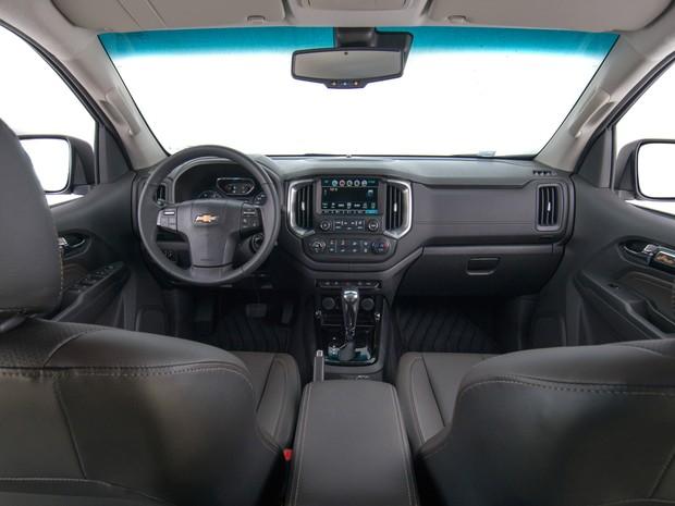 Interior da Chevrolet S10 ficou mais moderno e com acabamento melhor (Foto: Divulgação)