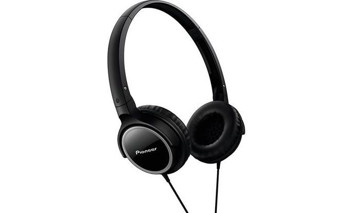 Fone de ouvido da Pioneer tem design leve e dobrável (Foto: Divulgação/Pioneer)