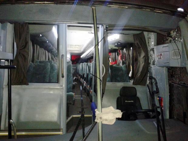 Ônibus com militares seguia de Brasília (DF) para Três Corações (Foto: André Grandi)
