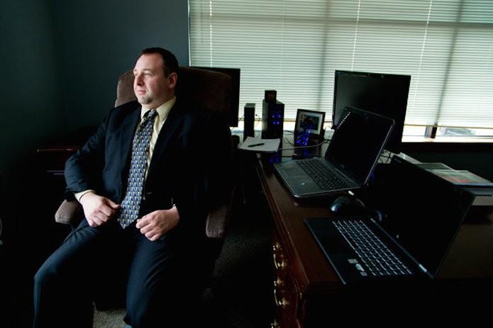 Alex Holden fundador da empresa que descobriu o roubo de dados (Foto: Reprodução/The New York times)