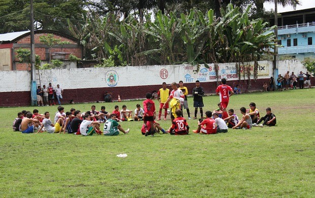 Peneira Chacarita Juniors em Manaus (Foto: Adeilson Albuquerque)
