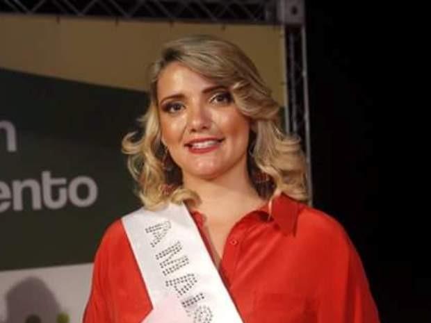 Sabrina ganhou concurso em 1º lugar como Miss Terracom (Foto: Arquivo Pessoal)