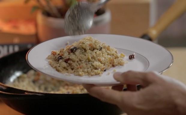 'Tempero de Famia' - Ep. 11 - farofa de arroz  (Foto: Reproduo / GNT)