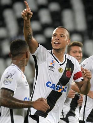 Luis Fabiano comemoração Vasco x Botafogo (Foto: Alexandre Durão)