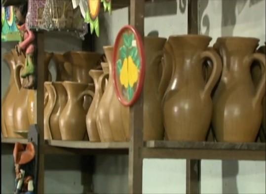Peças produzidas pelos artesãos do Alto do Moura (Foto: Reprodução/ TV Asa Branca)