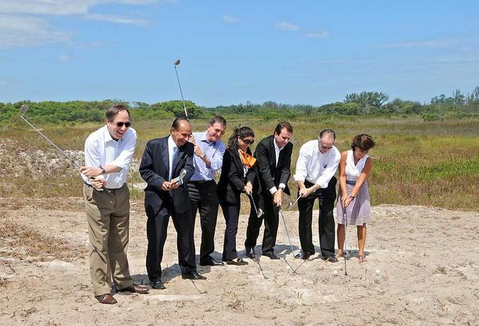 Eduardo Paes acompanha visita do COI ao campo de golfe (Foto: J. P. Engelbrecht / Site oficial)