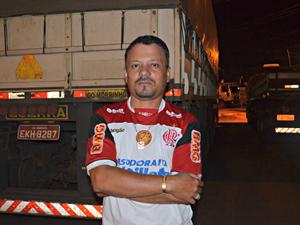 Motorista diz que se assustou com o nível do rio, e não pretende voltar ao Acre nesse período (Foto: Iryá Rodrigues/G1 AC)