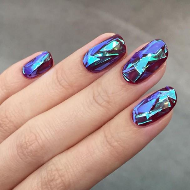 """""""Unhas de vidro"""" são a nova sensação do mundo da beleza"""