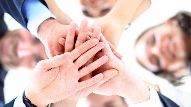 Carreira ; empreendedorismo ; montar um negócio com amigos ; trabalho em equipe ; comprometimento com metas ; comprometimento com os objetivos da empresa ; funcionários comprometidos ;  (Foto: Shutterstock)