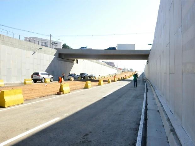 Parte inferior da trincheira Zero Quilômetro será liberada para o tráfego de veículos (Foto: Pollyana Araújo/ G1)