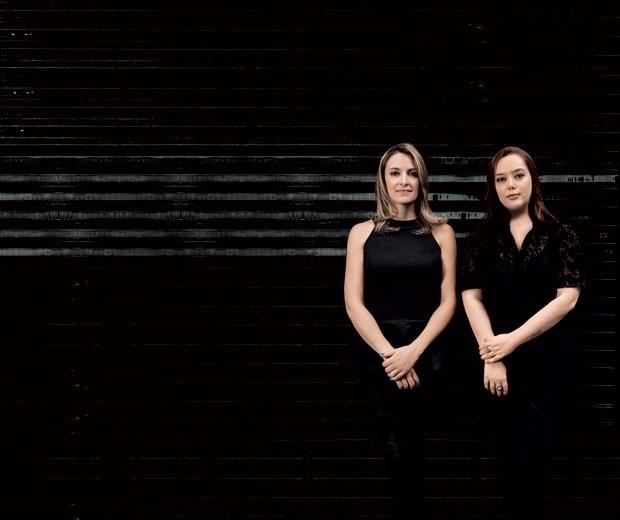 As ex-colegas Carla Borelli (à esq.) e Roberta Haddad: planilha desestabilizou a experiência de ter filhos (Foto: Cesar Martin Tovar)