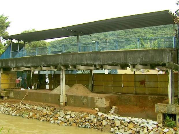 Abaixo-assinado pede demolição do monotrilho em Poços de Caldas (MG) (Foto: Reprodução EPTV)