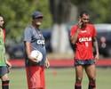 Sem Fernandinho e Sheik, Muricy  realiza treino tático e ensaia jogadas