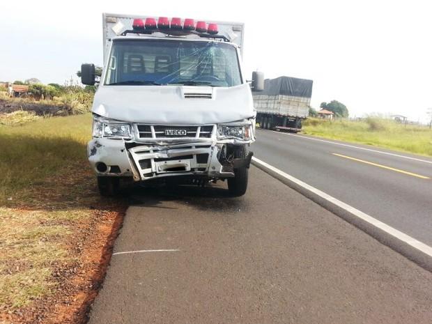 Veículos seguiam no sentido Martinópolis-Rancharia (Foto: Katiuscia Reis/TV Fronteira)