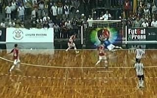 Falcão, goleiro-linha, Sorocaba x Corinthians (Foto: Reprodução / SporTV)