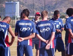 Carlos Octávio selecionará jogadores da base que agradarem na Copa do Brasil (Foto: Filipe Rodrigues/ Globoesporte.com)