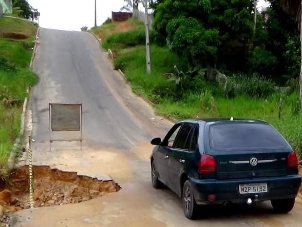 Rua Germano Franklinm, em Cruzeiro do Sul (Foto: Genival Moura/G1)