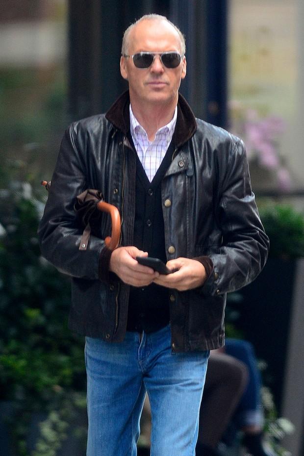 A boa e velha jaqueta de couro de Michael Keaton (Foto: AKM-GSI)