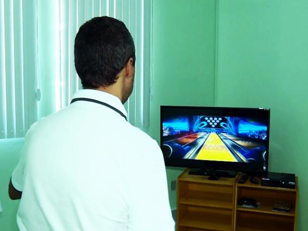 José Alberto Ribeiro Gomes está se tratando na clínica há dois meses e diz que já houve melhora (Foto: Reprodução EPTV)