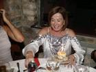 Zilu Godoi comemora aniversário ao lado de Marlene Mattos e amigas
