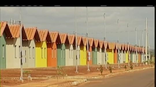 Moradores cobram entrega de casas em Conceição das Alagoas