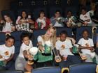 Famosos prestigiam pré-estreia de 'Os Muppets' no Rio