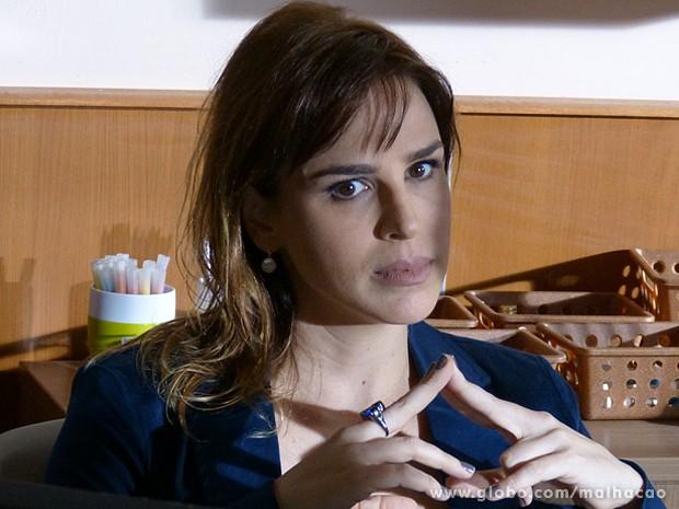 Raissa fica muito preocupada com a segurança de Clara (Foto: Malhação / TV Globo)